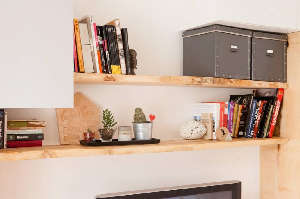 Arredi legno massello per il soggiorno
