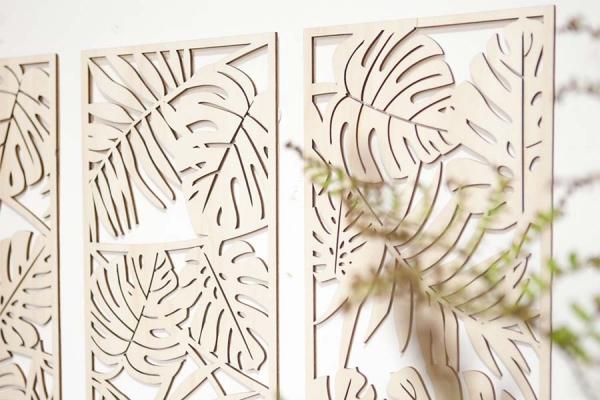 decorazione in legno da parete con pattern giungla