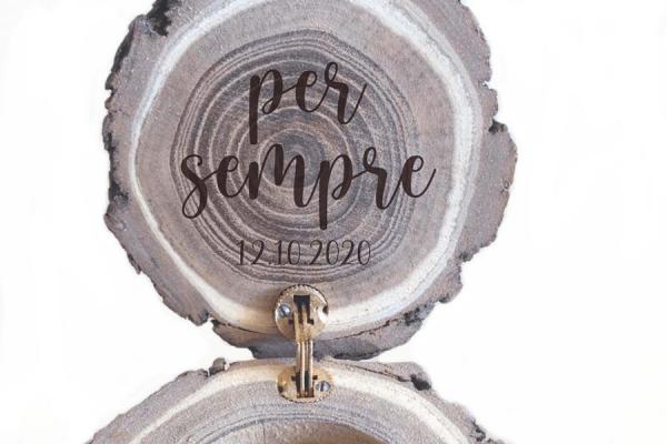 tronchetto di legno portafedi per il matrimonio personalizzabile