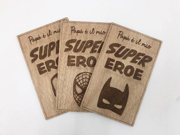 targa in legno supereroe